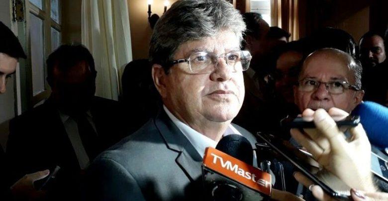 Resultado de imagem para João Azevêdo lança programa para reduzir filas de espera por cirurgias