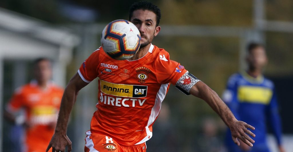 Botafogo-PB negocia a contratação de atacante do Cobreloa, do Chile