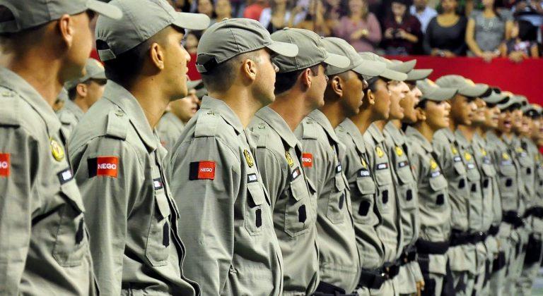 João Azevêdo autoriza promoção de mais de 200 policiais militares na PB
