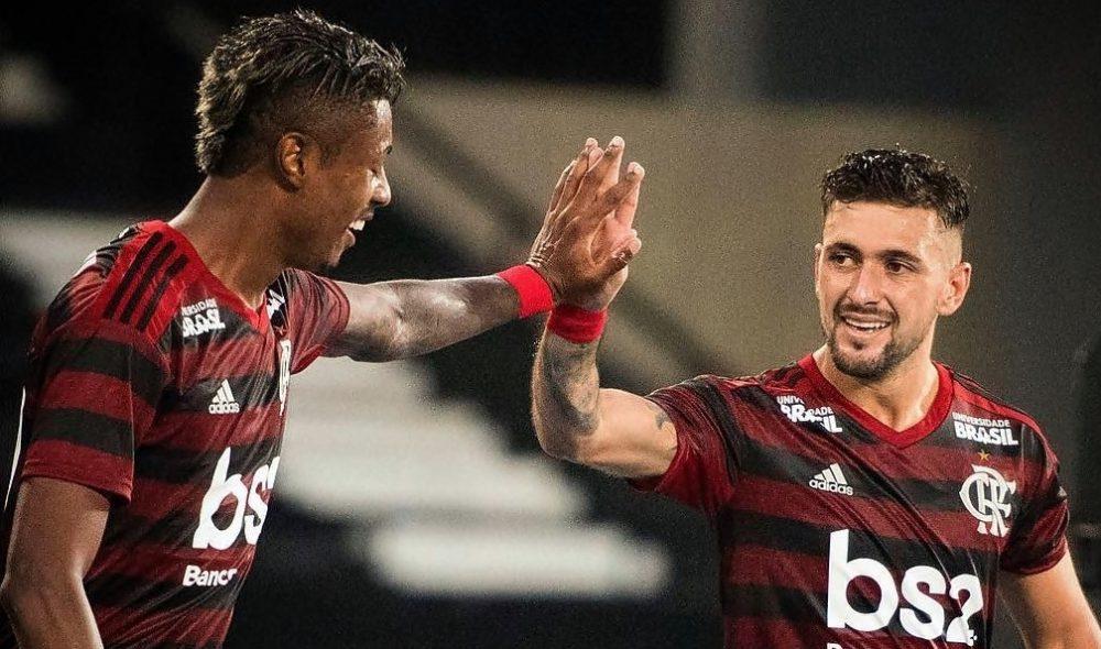 Sem TV, saiba como assistir Flamengo e Independiente del Valle pela internet