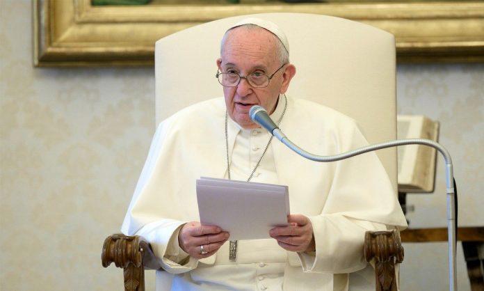 Papa celebra missa em homenagem a padres e médicos vítimas do coronavírus