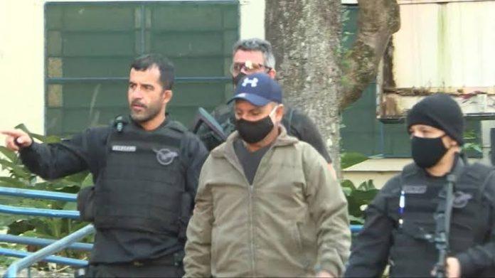 Vídeo mostra momento em que Queiroz é preso na casa de advogado de Bolsonaro
