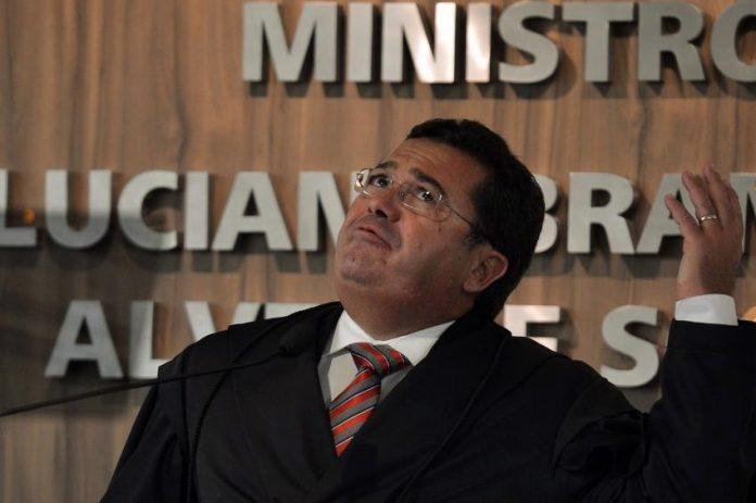 Operação Lava Jato: Ministro Vital do Rêgo e assessores têm bens bloqueados