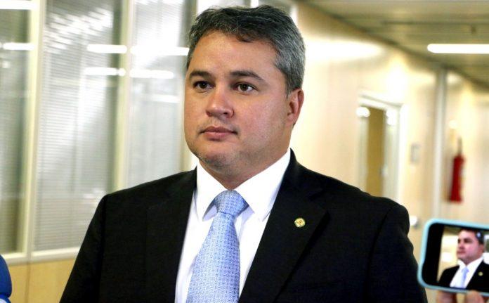 Efraim comenta poderio eleitoral do DEM na PB e fala da relação com João Azevêdo; ouça