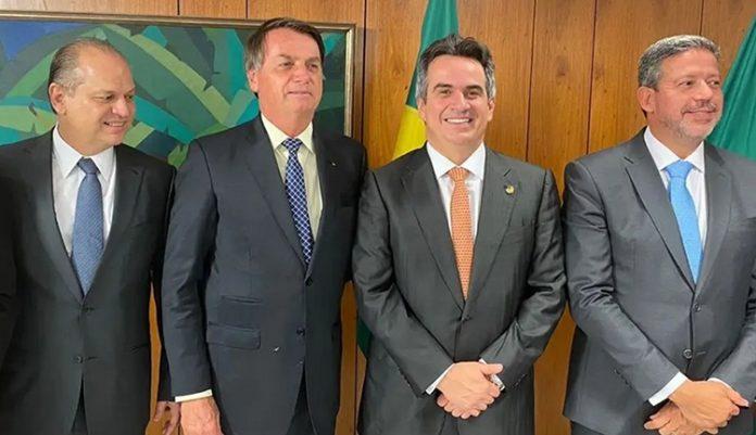 Bolsonaro planeja presentear 'centrão' com novos cargos de 2º escalão
