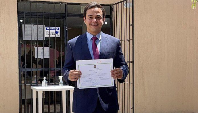 Prefeito eleito de Bananeiras renuncia a 13º salário após vereadores aprovarem