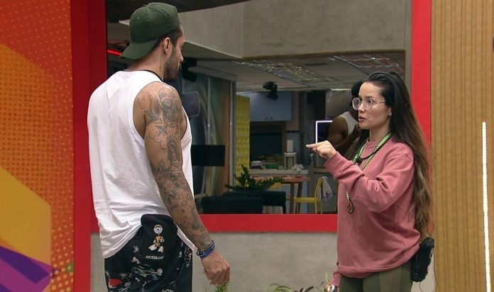 BBB 21: mãe de Bil grava vídeo e manda recado para a paraibana Juliette