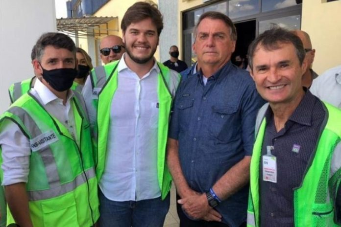 Secretário de Saúde critica Bolsonaro por não usar máscara em visita à PB